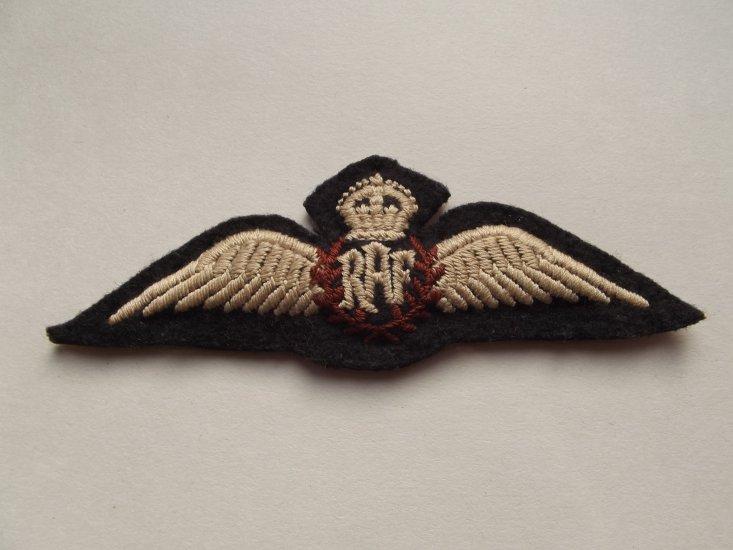 WW2 R A F PADDED PILOTS WING BREVET - £0 00 : DBG Militaria